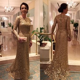 Full Lace Gold Mother of the Bride Dresses Bateau Neck Long Sleeves Sheath Sweep Train Plus Size Evening Gowns
