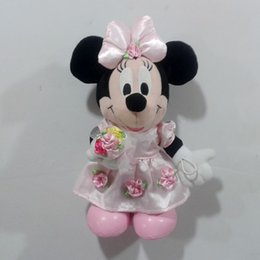 Wholesale Original Minnie Mouse hand with flower plush soft Toys best gift for wedding girl friends kids
