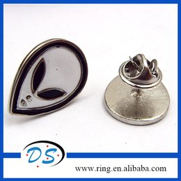 Wholesale Alien Extraterrestrial ET UFO Lapel Pin Brooch Emblem Badge White Enamel Zinc Alloy Hot Sell Pins