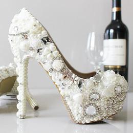 Perles de diamant hauts talons à vendre-nouvelles chaussures pantoufle perles de mariage de mariage de la mariée diamant blanc chaussures femmes talon haut de mariage à la main