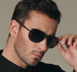 Gafas de sol wayfarers en Línea-La nueva marca de fábrica 2015 polarizó los vidrios de Sun redondos de los deportes de Sunglass de los hombres de las gafas de sol que conducían los vidrios Aviador / piloto 3086 del wayfarer