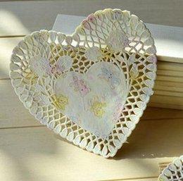Wholesale Papel de la forma del corazón del oso encantador Embalaje del arte pulgada del papel blanco Doilies Placemat decoración de la boda