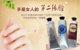 Wholesale 1box Famous Brand Shea Butter Peony rose hand cream with pieces pack suit mini hand lotions free shopping ml