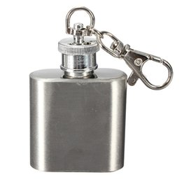 1oz Stainless Steel Mini Hip Flask Mini Portable Party Outdoor Wine Whiskey Bottle with Key chains Pendant Gift Jug