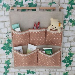 Wholesale Fashion Design Polka Dot Pattern Linen Bathroom Baby Toys Hanging Storage Pockets Makeup Bag Rangement Colgantes Pouches