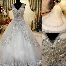 2019 Luxury Crystal Wedding Dresses Beach Bridal Gown with Sheer Straps Ball Gown V-Neck Beaded Appliques Tiers Pleated Dresses for Wedding