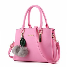 In 2016, The New Fashionable Ladies' Handbag of Lychee Grain Is A European Style Package One Shoulder Female Freeshipping