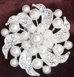 Wholesale 2015 cm Sparkly Clear Rhinestone Crystal Pearls Diamante Flower Pins Wedding Cake Bouquet Pin Brooch