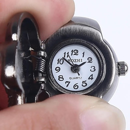 Wholesale-New 2Colors for Choice Vintage Pary Jewelry Finger Ring Watch Skull Punk Gothic Quartz Watch Finger Decoration