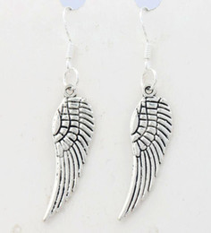 Wholesale 2017 HOT x9 mm Antique Silver Angel Wing Earrings Silver Fish Ear Hook Chandelier E084