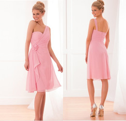 Charming Sparkle A Line Knee Length Light Pink Chiffon One Shoulder Bridesmaid Dresses With Handmade Flower Short Cocktail Party Dresses