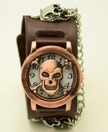 Wholesale Unisex Punk Wrist Watch Leather Watchband Woman Man Clamshell Watch Bronze Skull Cover Wristwatch sw212