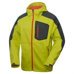 Wholesale Famous brand Softshell Jacket Men Hiking Jacket Waterproof Windproof Thermal For Hiking Camping Ski