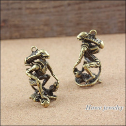 10 pcs Vintage Charms Alien Skull Pendant Ancient bronze Fit Bracelets Necklace DIY Metal Jewelry Making A001 jewelry making DIY