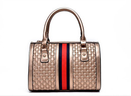 Wholesale 2015 fashion designer handbag Diana Boston bag handbag simple retro Christmas major suit top sellers BAG