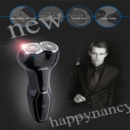 Wholesale NEW RENARKABLE ENVIRMENTAL AFFORTABLE AFFORDABLE USB Rechargeable Good Mens Electric Shaver durable environmental rinses