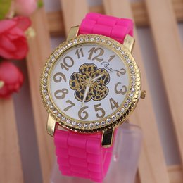 Wholesale Foreign Trade Geneva Wave Stripe Wrist Band Fashionable Crystal Stone Flower Shape Silicone Rubber Watches W