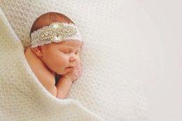 2017 bandas para la cabeza de encaje blanco para bebés Cinta blanca del bebé del Rhinestone del cordón Perfeccione para las bodas de los bautizos Ocasiones especiales o el apoyo de la foto 5pcs / lot bandas para la cabeza de encaje blanco para bebés limpiar