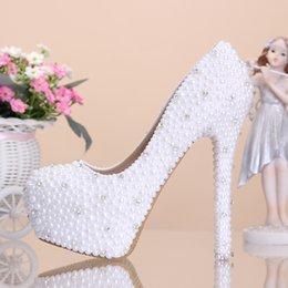 Perles de diamant hauts talons en Ligne-Chaussures élégantes de mariage de perle Chaussures de mariée de diamant Chaussures à talons hauts Chaussures de demoiselle d'honneur Chaussures de mariage Chaussures de banquet