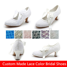 Wholesale Custom Made Satin Shoes - Cheap White Ivory Lace Bridal Shoes Wedges For Weddings Women Low Heels Cheap Bohemian Custom Made Vintage Country Bridesmaids Dress Shoes