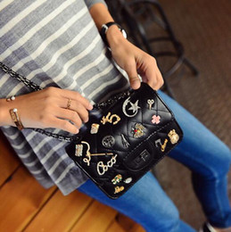 2016 New Arrival Fashion Shoulder Bag Black Color Accessories Sticker With Bag Lady Big Girl Fashion Shoulder Bag With Chain IN6372