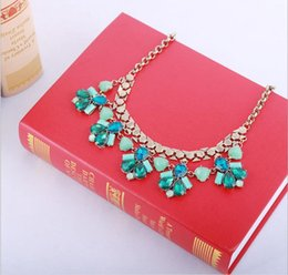 Wholesale New Fashion Chain Necklaces Flower Jewlery Necklaces Choker Acrylic Pendants Necklaces Statement Color For Women