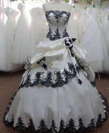 Vintage White and Black Wedding Dresses Ball Gown Strapless Beadings Lace Flowers Satin Long Bridal Gowns Lace up Back Custom Made W1042