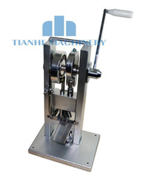 Wholesale Hot Sell Tablet press machine single punch type pill press pill maker tablet press KG mini type manual New