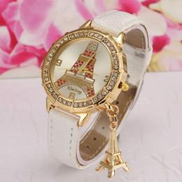 Wholesale Nouveau Women Fashion Watches Eiffel Tower Pendant Luxury Rhinestone Gold Dial Casual Quartz Watch Montre Femme Strass