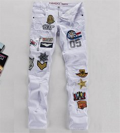 Wholesale New White Jeans Men Air Force Badge Cotton Slim Fit Mens Jeans With Patches Mens Distressed Jeans Ripped Q1162