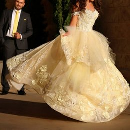 2015 Saudi Arabia Appliques Wedding Dresses Ball Gown Sweetheart Off Shoulder Muslim Bridal Gowns Special Occasion Dress
