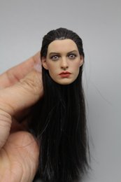 Wholesale Top Quality Head Sculpt Batman Catwoman Anne Hathaway Head Carving Fit Female Figure Doll Hot toys Action Figure Accessory