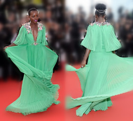 Wholesale Distinctive Cannes Lupita Nyongo Celebrity Red Carpet Dresses Flowers Plunging V Neck Half Sleeves A Line Chiffon Formal Gowns