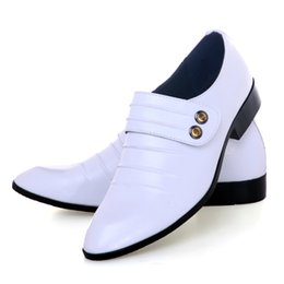 Wholesale Top Sell White Groom Wedding Shoes Cool Men s Prom Shoes Leather Casual Man Shoe NO