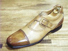 Promotion chaussures robe de moine Men Dress chaussures Monk personnalisés chaussures à la main chaussures pour hommes en cuir véritable de veau sangle unique couleur boucle beige HD-J044
