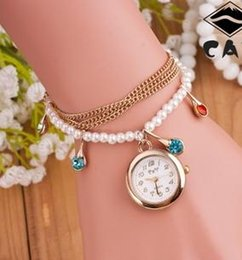 Montres de gros perle à vendre-Vente en gros chaudes montres en or rose à la perle à la mode T1700008