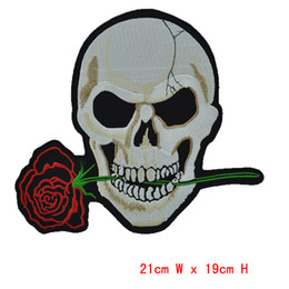 HOT Rose flower Skull Embroidered 2pcs Iron On Patchs ironing clothes embroidery Sew Cross Bones Pirate Flag felt Applique patch