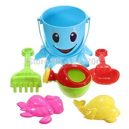 Wholesale Christmas gifts Hot Sale set Baby Kids Octopus Bucket Spade Rake Pot Sand Water Seaside Beach Tools Toy