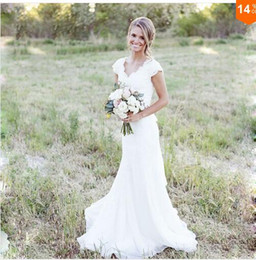 Eletant Full Lace Wedding Dresses Mermaid V Neck Cap Sleeve Modest Country Bridal Gowns Boho Beach Covered Button Wedding Gowns Cheap