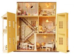 Wholesale Envio Atacado Free Montagem DIY diminuto de madeira peppa Dollhouse Modelo Villa brinquedos de presente Princesa Dollhouse brinquedo para meninas Vingadores