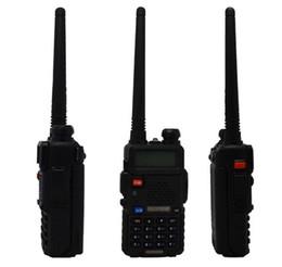Promotion deux radios bidirectionnelles vente meilleurs x2 vente Radio Baofeng UV-5R Portable radio bidirectionnelle Talkie Walkie pofung 5W vhf uhf double bande 136-174 400-520MHZ Baofeng uv 5R