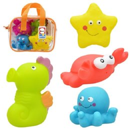 Wholesale New Baby Toy Big Size Soft Plastic Bath Water Spraying Classic Baby Rattle Early Educational Ocean Animal Toy