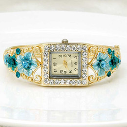 Wholesale 2016 Newest fashion hot sale beautiful gold plated alloy jewelry with enameled flower shape styles mixed sale modern watch