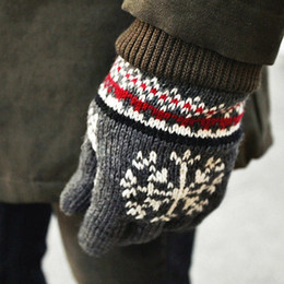 Wholesale-The new thick velvet warm winter Snowflake pattern knit gloves Unisex fashion casual gloves