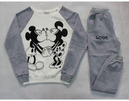 Wholesale New brand sport women truck suit mickey kiss cartoon casual jogging femme set winter clothing sweatshirt