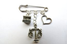 Wholesale 12pcs Shakespeare inspired Merchant of Venice themed charm kilt pin brooch mm