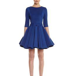 Damas mini vestido vestido en venta-atractiva del vestido de bola vestidos sin espalda de la cremallera de la manga mujeres medio señoras de la manera de la marca delgada ocasional plisado elegante vestido QZ2336