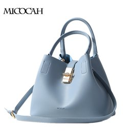 Brand New Arrival Big Shoulder Bag With A Metal Lock Fashion Bags PU Leather Solid Color Bucket Bags GN40002