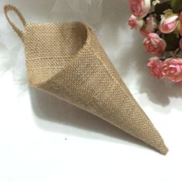 Wholesale Hanging Burlap Pew Cone wall Organizer Country Rustic Wedding Home Decoration Flower Holder jute Hessian Basket
