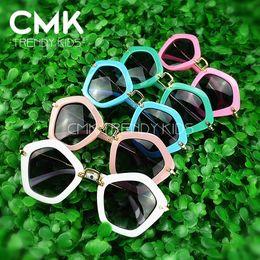 Wholesale CMK KG012 Children Pengaton Sunglasses New Arrival Trendy Girls UV400 Designer Sunglasses Teens Fashion Frame Kids Arrow Eyewear